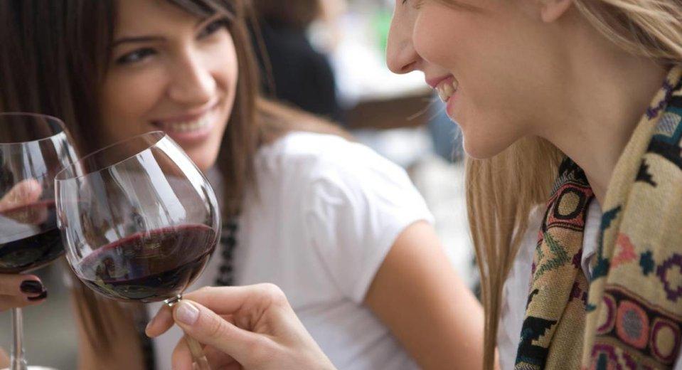 Kako alkohol šteti zubima?